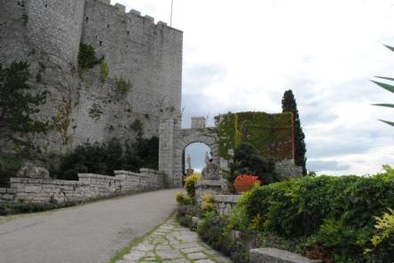 Invitatie la castel